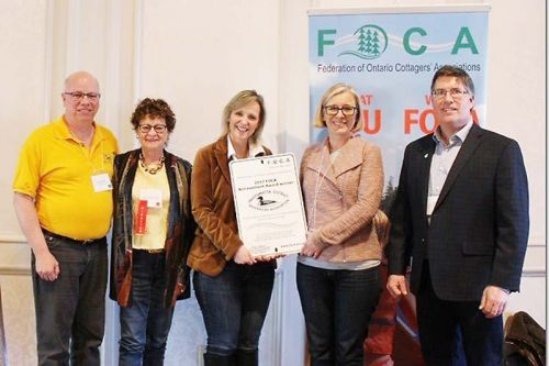 SDRA Board members receiving award at FOCA meeting earler this month.