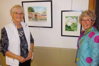 l-r, Marg Stephenson and Jean Dunning at MERA
