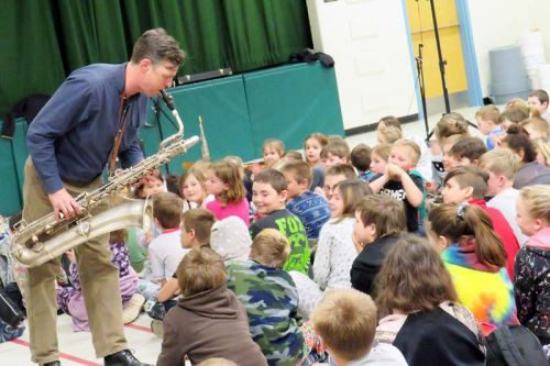 Teilhard Frost entertained students from GREC and PCPS Tuesday morning in Verona. Photo/Lee Casement