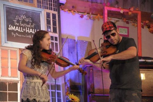 Fidlders Jessica Wedden and Ashley MacIsaac playing 'Whiskey Before Breakfast '