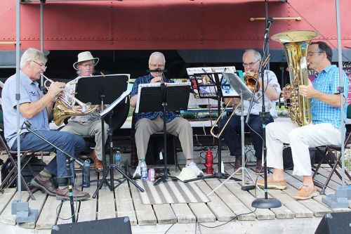 The Kingston Brass Quintet (Jerry DeWit, Nico DeWit, Gord Griffith, Cory Allen and Marc Moeys) provided music along with Old Habits. Photo/Craig Bakay