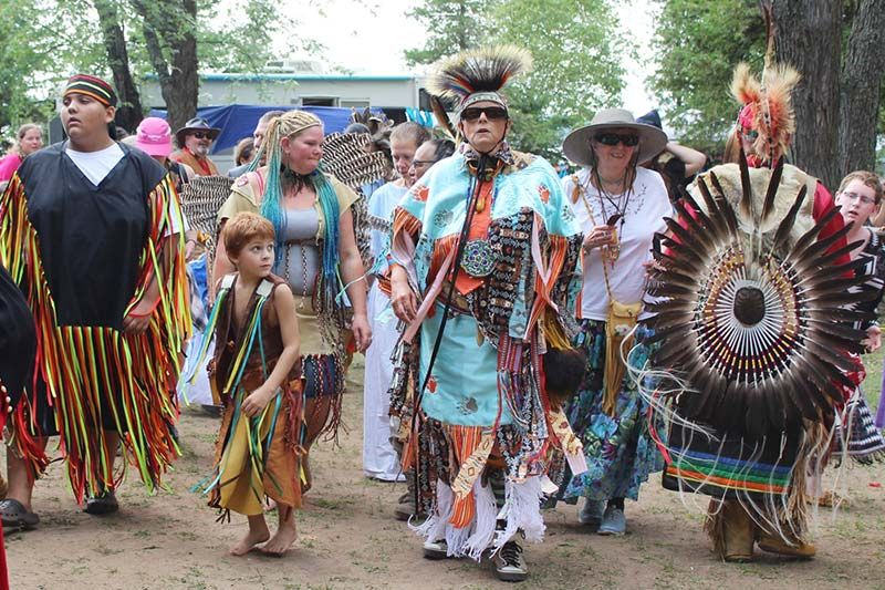 This was one of the biggest Silver Lake Powwows yet, certainly in terms of colourful regalia and the number of dancers.